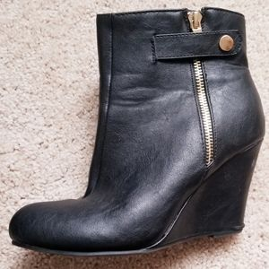 Forever Black Boots Size 6.5